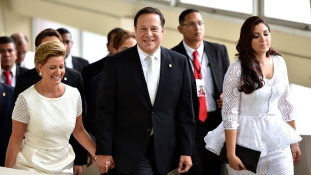 Tiltakozik a panamai elnök, amiért országát adóparadicsomnak nyilvánították
