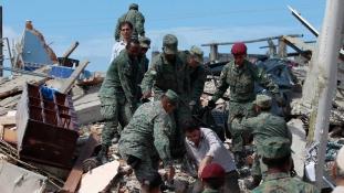 Japán után Ecuador: már csaknem 300 áldozata van a földrengésnek