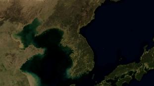 Majdnem 2000-en hadgyakorlatoznak az észak-koreai fenyegetés ellen