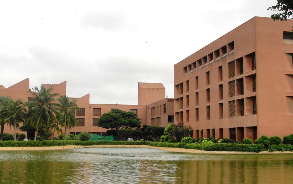 Aga Khan Egyetemi Kórház  az egyik legjobb Afrikában.