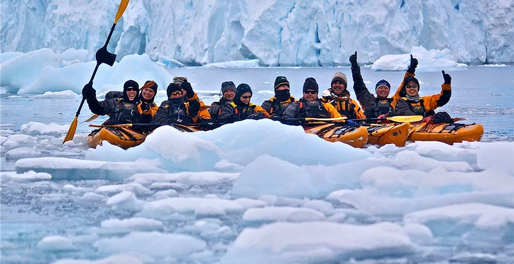 antarctica-kayaking-03