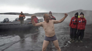 Már az Antarktiszon is tombolnak a kínai turisták