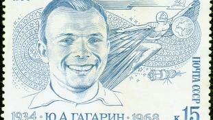 Már hónapokkal űrutazása előtt megírták az első dalt Gagarinról