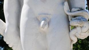 Levehető péniszt kap Herkules