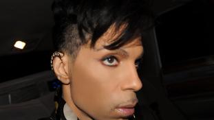 Még nem tudják, mitől halt meg – az egész világon gyászolják Prince-t
