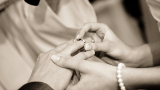 Csak feketében és csak szakállban – nem buli az esküvő Moszulban
