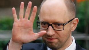 Távozik Ukrajna kormányfője