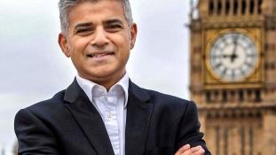 Muszlim migránsok gyermekét választották meg London polgármesterének