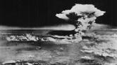 Barack Obama és Abe Sindzó: Történelmi kézfogás Hirosimában