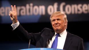 Félmillió motoros előtt kampányolt Trump