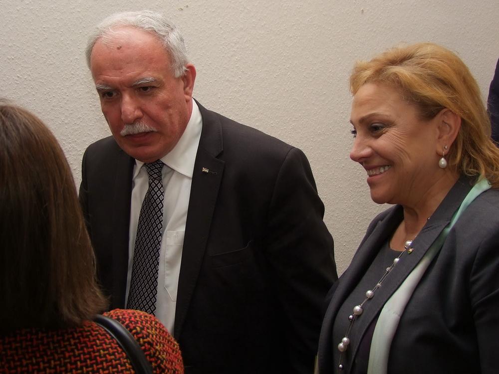 Dr.Riad Malki palesztin külügyminiszter és Marie Antoinette Sedin palesztin nagykövetasszony