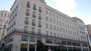 Budapesti szállodáját reklámozza elit ügyfeleinek a Ritz-Carlton