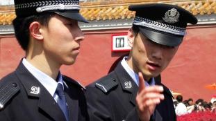 Saját rendőreik vigyáznak a kínai turistákra Rómában