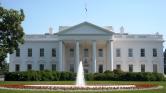 Gyanús csomagot dobott egy nő a Fehér Ház kertjébe