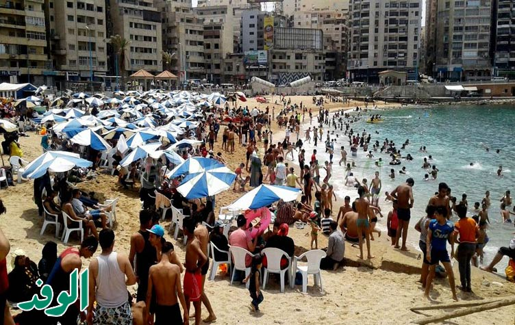 Sok kairói Alexandriában próbál hűsölni ilyenkor.