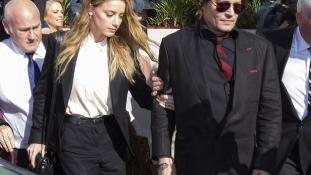 Nejének leszbikus barátnőjére féltékeny Johnny Depp?
