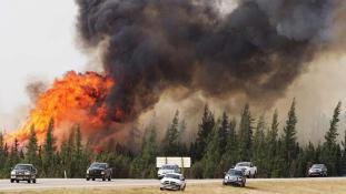 Már dél-afrikai tűzoltók is küzdenek a lángokkal Kanadában