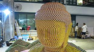 Nemzetközi díjat nyert a konzerv-Buddha