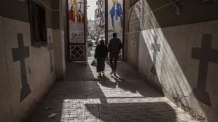 Sziszi elnök igazságot ígér az utcán meztelenül végigkergetett keresztény nőnek