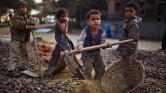 Több mint 45 millió rabszolga van ma a világon, a legtöbb Ázsiában