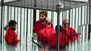 Savfürdőbe mártva végzett ki 25 embert az Iszlám Állam