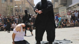 Elfogták az Iszlám Állam rettegett hóhérját (videóval)