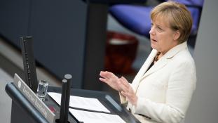 Merkel békés rendezést sürget Hegyi-Karabahban