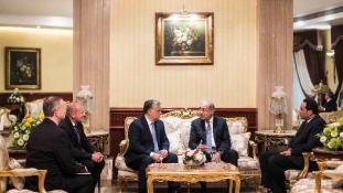 Egyiptomban tárgyal Orbán Viktor