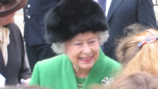 Gigabulival ünnepelték II. Erzsébet szülinapját