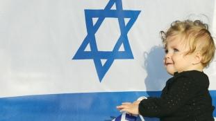 Szülési szabadságra mehetnek Izraelben az apukák