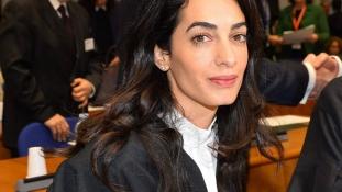 Amal Clooney lesz az iraki szexrabszolgák ügyvédje