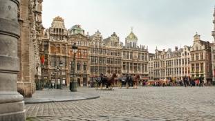 Hajnali terrorriadó egy brüsszeli bevásárló központnál