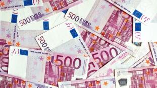 160 ezer eurót talált egy szíriai menekült – találd ki, mihez kezdett vele