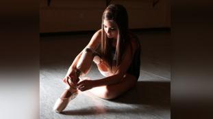 Amputálták a lábát –  most balett-táncos