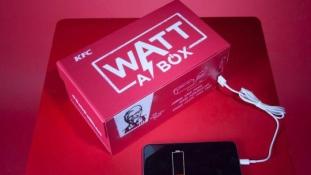 Sültcsirkés dobozban töltheted a mobilod