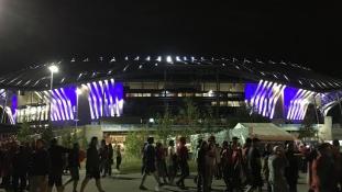 Lyonban albán örömünnep az utcán