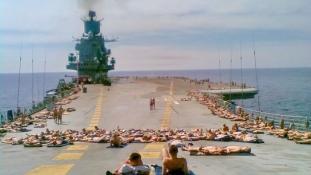 Így lazítottak a szovjet hadihajókon – képek