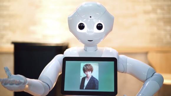 Rövid időn belül megvan a megoldás. A robot tévedhetetlen.