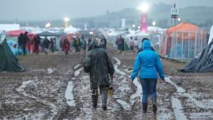 Rockfesztiválba csapott a villám – folytatódik az ítéletidő Németországban