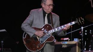 Meghalt a Király gitárosa