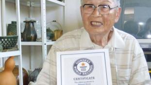 Ő a világ legidősebb friss diplomása