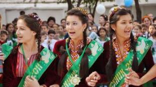 Az elnök könyvéből már nem kell vizsgázni – így érettségiztem Türkmenisztánban