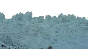 Kilenc embert temetett maga alá egy lavina Tibetben