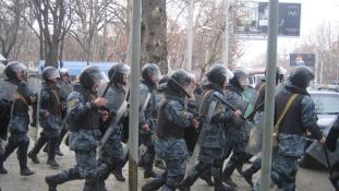 Agresszióba torkolt a tüntetés Jerevánban