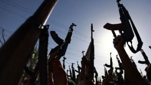 Félelem Moszulban – több száz embert vettek őrizetbe a dzsihádisták
