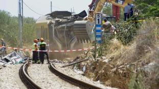 Tényleg emberi mulasztás miatt halt meg 23 ember az egymásba rohanó olasz vonatokon