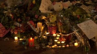 A neten árulta a nizzai áldozatok holmijait