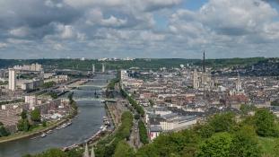 Papot öltek a túszejtők a templomban Rouen mellett