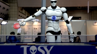 Egy robot megszegte a robotika első törvényét?