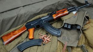Kelet-európai fegyverekkel ölnek a Közel-Keleten